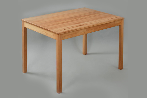 Learn-how-to-make-a-simple-wooden-table-at-home