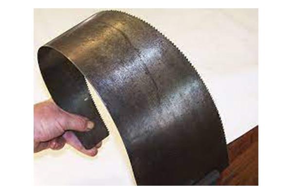 Handsaw blade bending