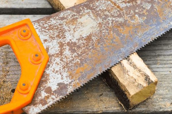 Handsaw rust